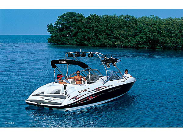 Is the yamaha 2000 jet boat a good boat for wakeboard for Yamaha wakeboard boats